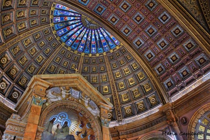 Capulipi.ceiling.skylite.med