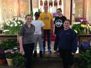 Canisius volunteers, l. to r.: Anna Gleason, Sydney Adams, James Pokornowski, Gianna Remanelli, and Maxine Osetinsky